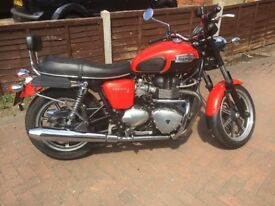 Triumph Bonneville SE 850 *Upgraded Parts* Seat back rest, tank pads, centre stand...see ad for more
