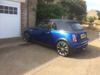 Mini Cooper S convertable 2006 blue