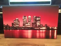 Wall Canvas theme Canary Wharf 52cm*88cm excellent condition