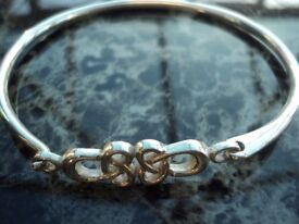 Brand New never worn solid hallmarked silver bangle / bracelet