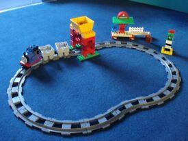 Thomas the tank engine duplo set