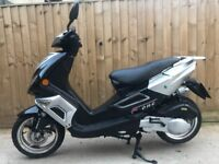 125cc scooter moped 2012 new 12 months mot