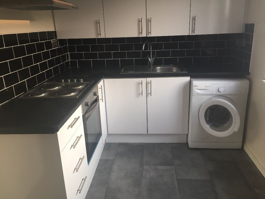 PURPOSE BUILT MODERN 2 BED FLAT TO RENT IN CHADWELL HEATH FOR £1200. 3 MIN WALK TO CHADWELL HEATH ST
