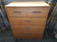 3+2 drawers Oak finish solid wood chest of draws - good condition