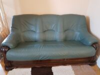 Vintage leather Sofa 3 seaters + armchair in good condition