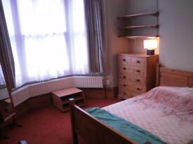 Doublroom near the centre of Harrow. No Agent Fees!