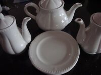 TEA POT / COFFEE POT AND SIX SIDE PLATES