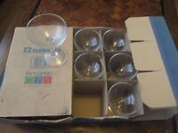 Set of 12 Champagne/Wine Glasses