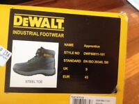 DeWalt Apprentice black leather safety boots worn once size 9 / 43