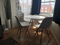 Dinning table and 4 dinning chairs