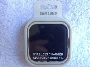 Wireless Cellphone Charger for iPhone/Smartphones, brand new