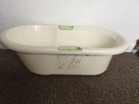 Disney Baby Bath £5