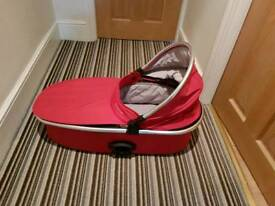 Red Oyster carry cot