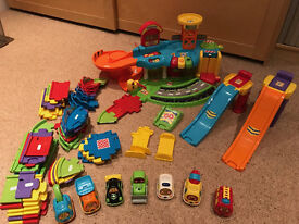 Vtech Toot Toot Garage track and 7 cars Like New