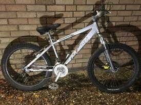 Saracen Mantra Mountain Bike