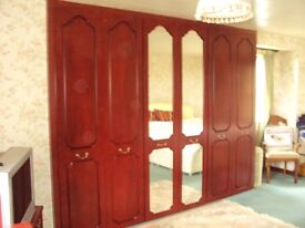 SHARPS MIRRORED FITTED WARDROBES
