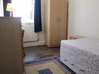 BRIGHT COSY ROOM IN BATTERSEA/CLAPHAM JUNCTION, SHORT TERM ACCEPTED