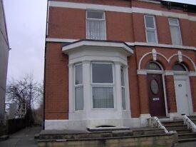 Bedsit to rent. Bury Road. Bolton.BL2 6AD £62.00 Per Week.
