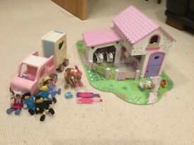 Elc rosebud farm wooden farm toys with animals and jeep and horse box