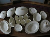 Royal Doulton dinner service - The Romance Collection, Heather series. Very good condition