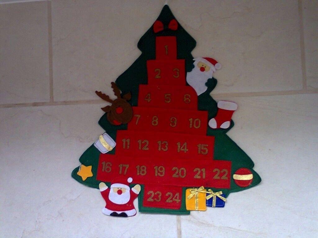 Felt wall hanging advent calendar with pockets........just £2.