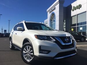 2017 Nissan Rogue SV AWD MOONROOF, BACKUP CAMERA