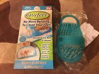 Easyfeet, Massage, exfoliates & cleans