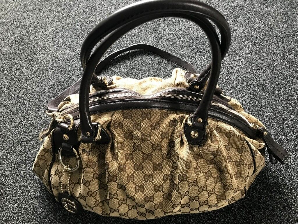 Gucci Ladies Vintage GG Pattern Canvas Handbag – 100% Authentic with Proof  of Purchase 4e498070c2426