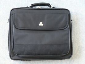 Laptop Carry Cases by TechAir