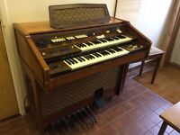 FARFISA church organ. Stool included.