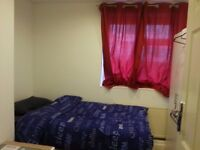Recently reburbished room in friendly flatshare!
