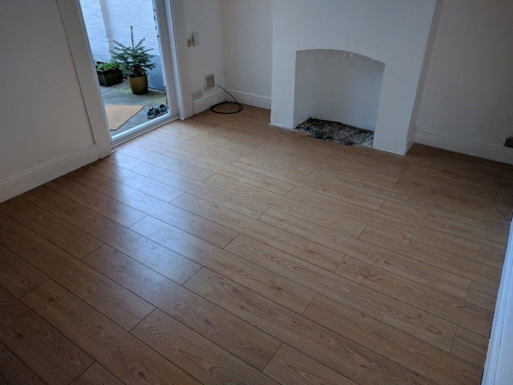 Laminate Oak Effect Floor Boards And Underlay