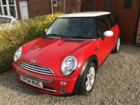 Mini Cooper 1.6 Hatchback in Red/White - Stunning Condition with 12 Months MOT