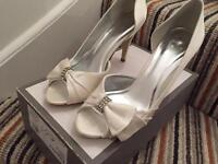 Wedding shoes size 5 never worn