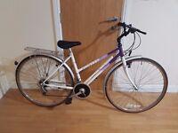 Raliegh lADIES Hybrid Bike with 28 wheel size