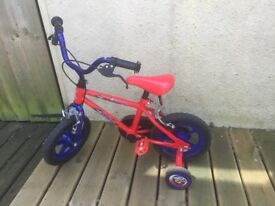 Unisex children's bicycle upto age 4 with stabilisers