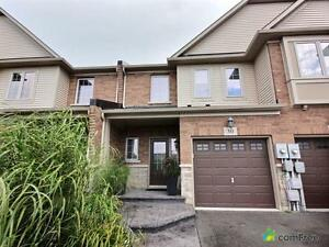 $434,000 - Townhouse for sale in Grimsby