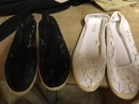 Ladies flat, lacy top shoes large 7/8 £3 for both pairs