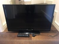 Very nice 32 LED TV, fully working, with remote.