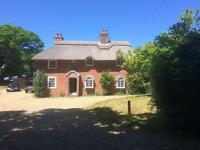 Country Cottage in the New Forest by the sea. N.B. GENERIC POSTCODE/MAPPING-LOOK WEST TO KINK.....