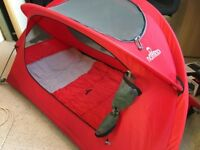NOMAD Travel bed/cot with additional accessories (sleeping bag, mattress and sheet)