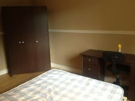 Spacious Double Bedroom for RENT £280pm