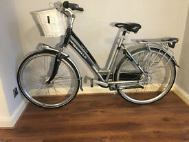 Ladies mens Dutch bike gazelle chamonix with basket