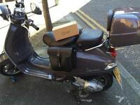 Vespa LXV ie 125 grey brown