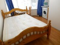 SUPERB MODERN GROUND FLOOR STUDIO FLAT NEAR ZONE 4 NIGHT TUBE, 24 HOUR BUSES, SHOPS & SUPERMARKETS