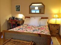 Large, sunny double room with bathroom in pretty cottage, Easton, Wells