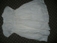 Bundle of 8 Summer clothes from baby Gap for girl 6-9-12mths/ 6-9-12 mths. In excellent condition.