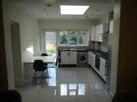 West Hampstead Modern Two Bed spacious Garden Flat Zone 2
