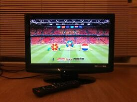 """Panasonic Viera 19"""" HD LCD TV/Monitor with HDMI,Remote & Freeview"""