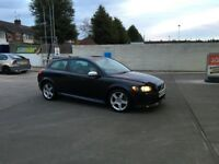 Great Volvo C30!! R-Design sport, drives perfect and looks great (not Audi, astra, golf)